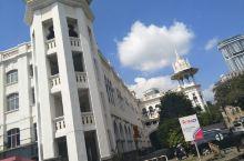 老火车站 距离国家清真寺1公里远的吉隆坡老火车站,至今仍在使用。车站很有年代感,旅客很少。坐在站台的