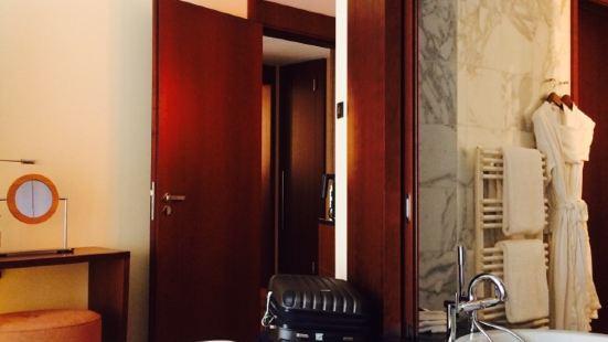 The Lounge at Park Hyatt Zurich