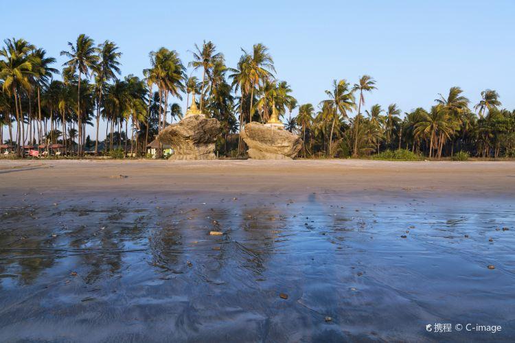Ngwe Saung Beach1