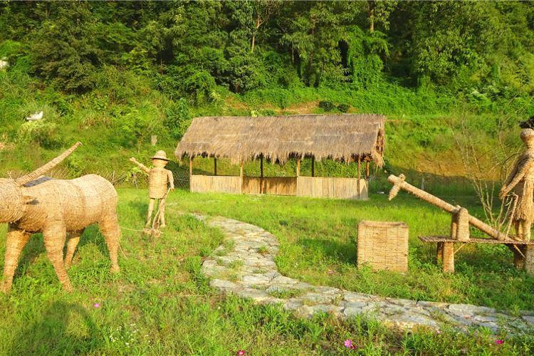Jingzhou Minsu Wenhua Kangyang Tourism Sceneic Area1