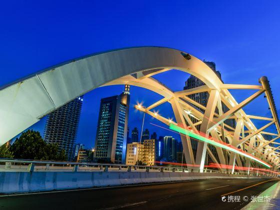 Jinbu Bridge