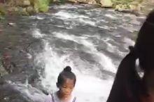 美丽的自然瀑布