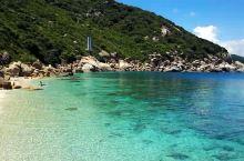 三亚正确的打开方式 不愧为国内最顶级的潜点,水质清澈,能见度20米,珊瑚五颜六色,热带鱼多重多样!