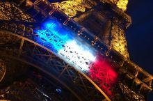 #激情一夏#多彩埃菲尔铁塔 法国巴黎埃菲尔铁塔自1889年建成以来,已经成为法兰西的象征。 这座高达