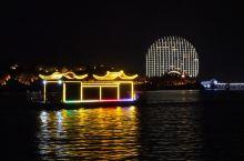 夏天从这里开始,在雁栖湖欣赏世界级的灯光盛宴!