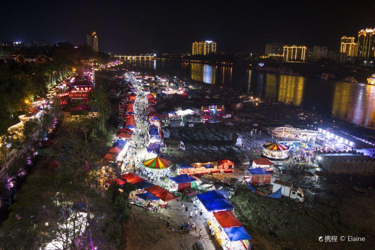 Riverside Night Market2
