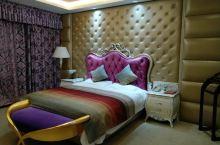酒店设施不错,挺干净的。比较惊艳,离景点也近,值得推荐。