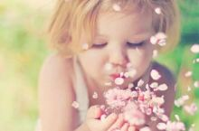 随手拍 人生如花,淡者香。 花的颜色越浅,香味越浓; 颜色越深,香味越淡。 做人,侧重于外在美,难免