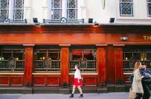 跟着电影去旅行   《查令十字街84号》取景地伦敦查令街
