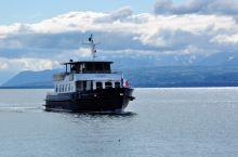 穿过日内瓦湖,搭船去法国