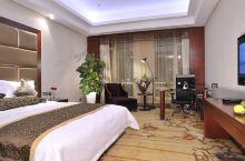 值得一去的酒店——达拉特旗东达锦园宾馆  酒店环境整洁,房间布局堪称完美,优雅又不失情调,服务周到,