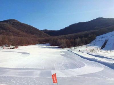 磐石市蓮花山滑雪場