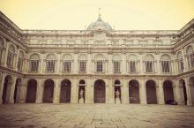 一个奢华的西班牙皇室宫殿