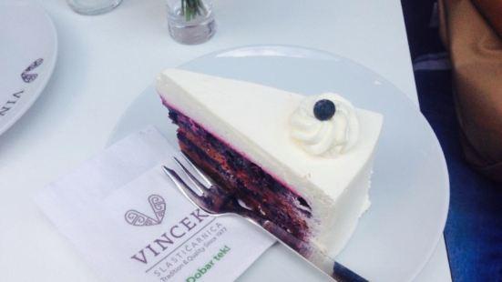 Vis a Vis by Vincek