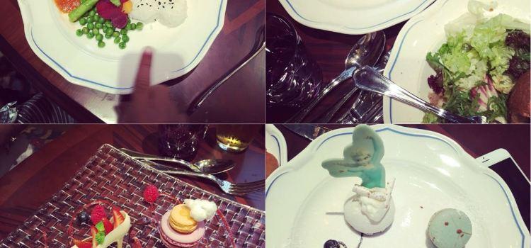 Fei Cui Meng Le Yuan Restaurant (Disney Town)3