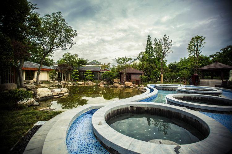 Slender West Lake Hot Spring Resort3