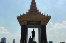 金边是柬埔寨的首都,非常的繁华一点感受不到这个国家的贫穷。