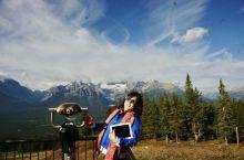 班夫的观景平台,终于远眺十公里外的雪山与湖泊