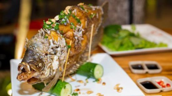 Canh Quat Seafood Restaurant