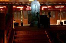 夫子庙是一组规模宏大的古建筑群,历经沧桑,几番兴废,是供奉和祭祀孔子的地方,中国四大文庙之一,被誉为