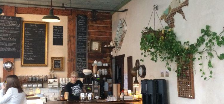 Finch's Teahouse1