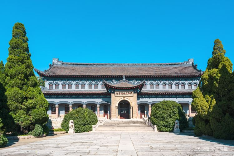Cemetery of the Revolutionary Martyrs of East China (South Gate)2