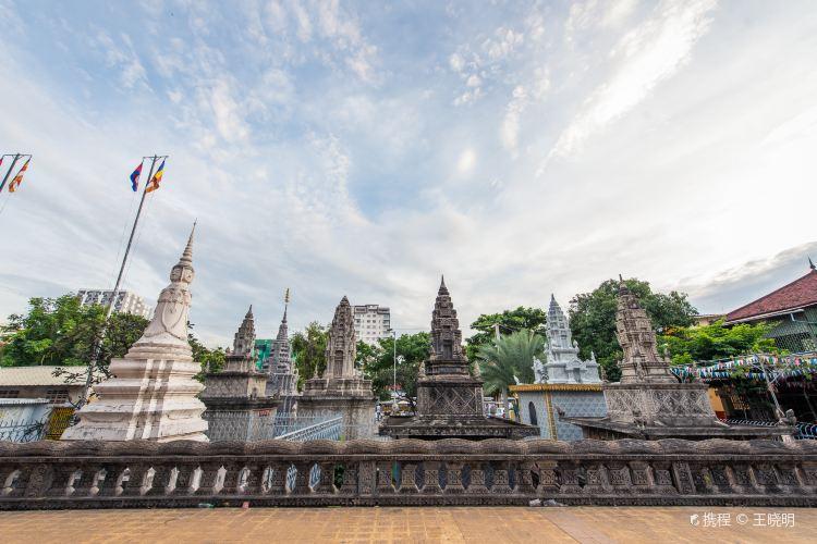 Wat Moha Montrei1