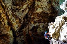 清迈小城的另一面,直达地下50米!带你一起探索很疯狂的疯马岩洞
