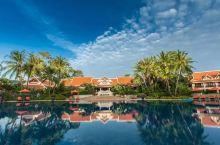 壕!这家酒店风景美到窒息,豪华泳池别墅免费让你住,还能带家属!