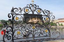 #瓜分10000元#伏尔塔瓦河上最美的桥梁-查理大桥