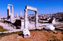 标志性的罗马遗迹残存的圆柱,经常被作为安曼旅游手册的封面