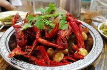 吃在大连-潜江油焖小龙虾是招牌,香辣带甜全在这一口