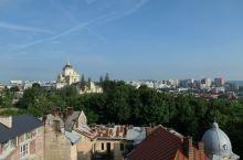 """利沃夫历史博物馆,这是16世纪文艺复兴时期风格的建筑,被称为""""黑石之家""""。"""