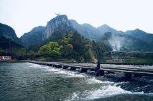 """楠溪江沿线最值得打卡的四个地方,走古村、抓烤羊排、看""""浙南天柱"""""""