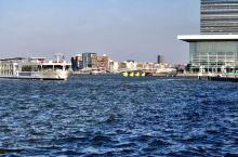 【阿姆斯特丹】 维京河轮的最后一站是荷兰首都阿姆斯特丹,美丽的风景和奇特的制度,使大家惊讶,四月初的