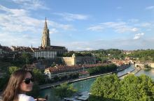 瑞士,这个美丽的国家,无疑是上帝的佳作,清澈的湖水,壮美的阿尔卑斯山脉,幽静的瑞士小镇,以及那些在山