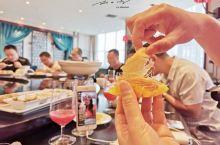 """今天中午,我们在河南省固始县的""""固始迎宾馆""""吃了一顿大餐,据说都是在国内外各种美食大赛中获得过金奖的"""