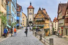 """说到""""浪漫""""二字,似乎总感觉与做事一板一眼的德国人相去甚远。殊不知德国人有着自己的风格,将刻板与浪漫"""
