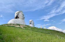 可汗山,成吉思汗与忽必烈的巨型塑像