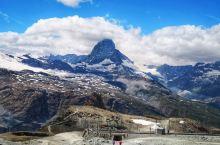 近距离眺望马特洪峰&戈尔内冰川  马特洪峰(Matterhorn)位于瑞士瓦莱州小镇采耳马特,海拔4