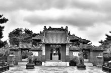 奉国寺,建于辽开泰九年(公元1020),是辽圣宗耶律隆绪为其母萧太后(萧绰)所建,建寺已有999年。