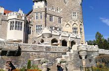 卡萨罗马城堡是位于加拿大安大略省多伦多的一处名胜。她是一座仿中世纪的城堡,由加拿大富翁亨利·佩雷特爵