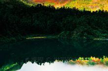 #打卡香格里拉美景--蓝月山谷 蓝月山谷位于香格里拉市境内,是一个立体性生态文化旅游山谷,山谷的相对