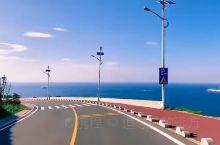 从跨海大桥进入平潭岛,就忍不住赞叹造物主对这座美丽海岛的钟爱。 穿过一整条围绕着木麻黄的林荫道,巨大