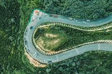 西安最美环山路 听说你们十一要来西安? 如果你不喜欢 兵马俑的人 大雁塔的灯 城墙的双人自行车  那