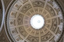 古罗马浴场,热门的打卡路线之一,看着这些建筑,想象几百年前古罗马帝国的时候人们都是如何创造奇迹的,世