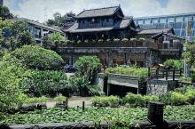 深圳甘坑小镇,不是周末去的,游人较少,很多特色小店没有开门,遗憾,可能周末会热闹点。