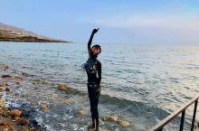 死海—在教科书里看到后我就心心念念的地方  死海位于约旦-巴勒斯坦-以色列交界,是东非裂谷的北部延
