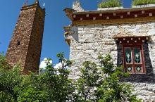 康波碉楼在这家康波客栈里,可能是这个碉楼的原因,主人精心打造了这个客栈,利用天然地理环境和藏族事筑风