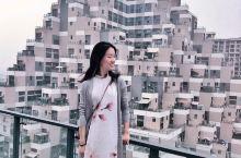 上海金字塔——花桥未来城 要在上海找酷爆了的拍照地,来这里没错啦。 这里可是曾上过《英国邮报》哦,从